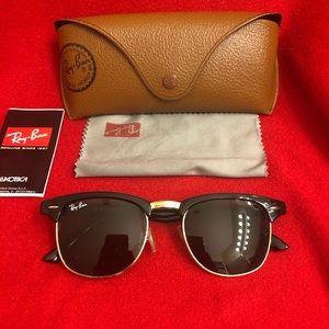 Ray-Ban Wayfarers Unisex Black Sunglasses